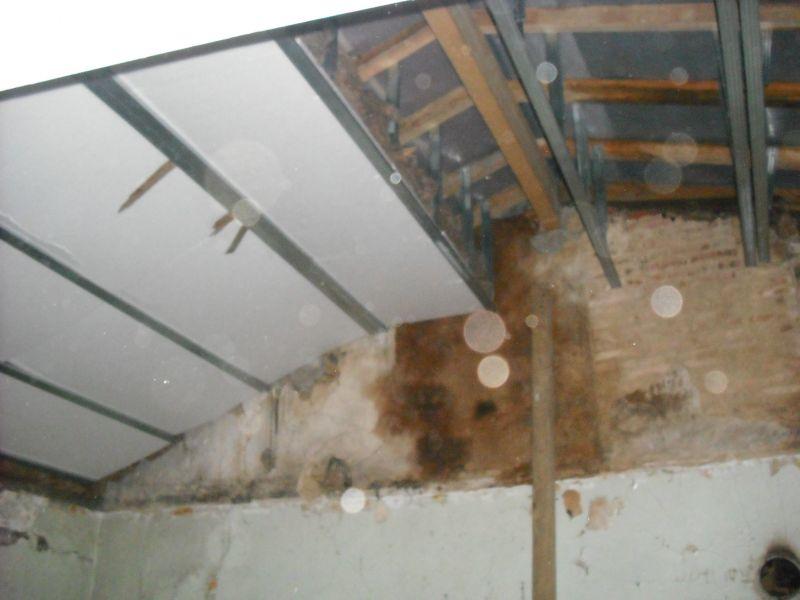 Cloison et plafond en plaque de platre cloison plafond for Plaque polystyrene plafond